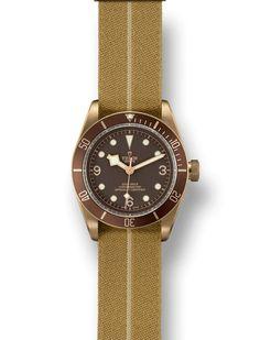 Scopri l'Heritage Black Bay Bronze, un orologio subacqueo da 43 mm in una lega di bronzo e alluminio ad alte prestazioni. Visita il sito ufficiale Tudor.