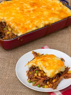 Pulled Pork Shepherd's Pie Recipe using Leftover Smoked Pork Butt. The hubs smoked pork last weekend and we have about lbs of it. Leftovers Recipes, Meat Recipes, Cooking Recipes, Healthy Recipes, Leftover Pork Recipes, Recipe With Pulled Pork Leftovers, Pork Casserole Recipes, Slow Cooker Recipes, Smoker Recipes