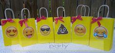 Emoji Birthday Party Supplies, Emoji Treat Sacks Yellow (10pc)