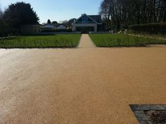 #ResinFlooring - http://www.softsurfaces.co.uk/surface-types/resin-bound/specification/