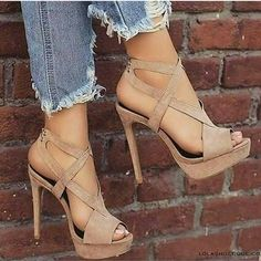 high heels – High Heels Daily Heels, stilettos and women's Shoes Pretty Shoes, Beautiful Shoes, Cute Shoes, Me Too Shoes, Beautiful Clothes, Heeled Boots, Shoe Boots, Shoes Sandals, Fashion Shoes