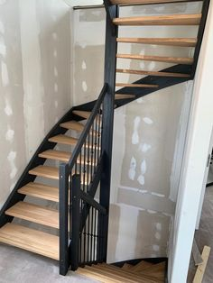 Home Decoration Ideas For Marriage Open Trap, Home Remodel Costs, Staircase Makeover, Painted Stairs, Entry Hallway, Duplex, House Stairs, House Entrance, Home Decor Bedroom