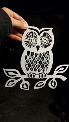sova Kirigami, Owl Crafts, Paper Crafts, Stencils, Plasma Cutter Art, Stencil Patterns, Owl Patterns, Silhouette Cameo Projects, Owl Silhouette