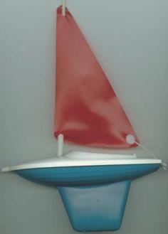 DDR Segelboot, Spielzeugboot, 1970er. *** hatte auch so eins für die bAdewanne***