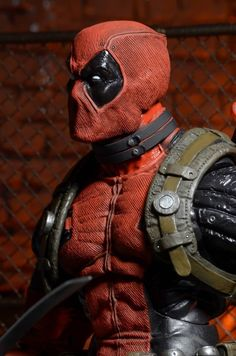 Amazon.com: NECA Marvel Classics Deadpool 1/4 Scale Action Figure: http://amzn.to/2slnK4w