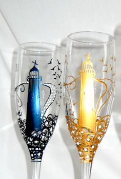 Lighthouse Flute Glasses Hand Painted Glassware Maybe the lighthouse in Port Decorated Wine Glasses, Hand Painted Wine Glasses, Wine Glass Crafts, Wine Bottle Crafts, Flute Glasses, Wine Bottle Art, Wine Bottles, Wedding Glasses, Champagne Glasses