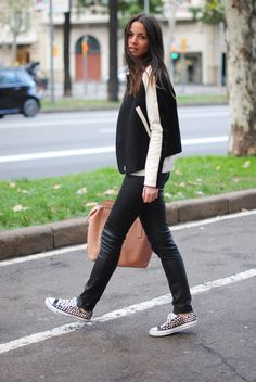 Zina Charkoplia | #zinacharkoplia #streetstyle #blogger #bloggothek