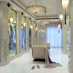TOP 20 Luxury Closets for the Master Bedroom…