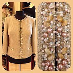 Жакет из ткани Chanel,расшитый вручную хрусталем,бусинами,сваровски #victorykharchenkoatelier #russia #kaliningrad #style #design #fashion #details #womanswear #Swarovski#luxury #handmade