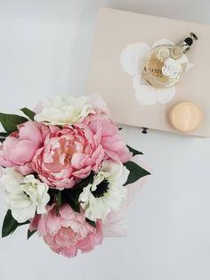 Ranunculus Silk Floral Arrangements In Round Flower Box, Floral Home Décor, Silk  Flowers, Floral Centerpieces, Silk Bouquet, Wedding Bouquet | Pinterest ...