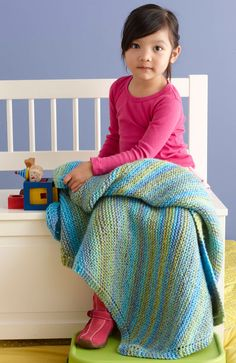 Soft, Easy Baby Throw.  A beginner's blanket to knit on circular needles.   Free pattern is printable!