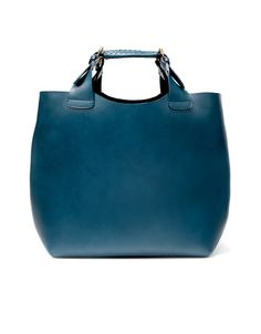 I love this bag. I don't normally like bags I can't put on my shoulder but i LOVE this big, beautiful blue bag!