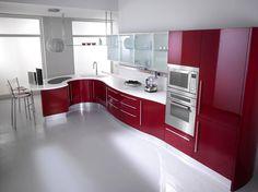 Кухня в стиле хай-тек красного цвета