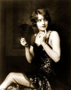 Barbara Stanwyck - Ziegfeld Girls - Alfred Cheney Johnston - Vintage Photograph - Note Cards - Archival Materials - Suitable for Framing by GryphonGraphyx on Etsy Barbara Stanwyck, Flapper Girls, 1920s Flapper, Classic Hollywood, Old Hollywood, Hollywood Actresses, Portrait Photo, Photo Art, Pencil Portrait