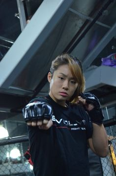 Angela Lee poses at the Evolve gym on April 5, 2016. (Tony Soh/Epoch Times).