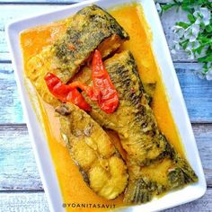 Indonesian Food Traditional, Indonesian Cuisine, Indonesian Recipes, Recipe Details, Fun Cooking, Fish And Seafood, Food Presentation, Cheesesteak, Fish Recipes