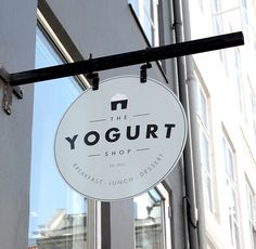 Visual identity for a breakfast, lunch and dessert shop in Copenhagen.