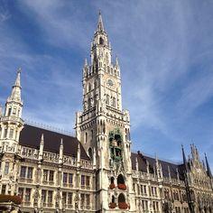 In München ist die Situation für Mietsuchende sehr problematisch. Bei faceyourbase.com hoffen wir, dass die Wohnungssuche nie wieder zu solcher Verzweiflung führt wie in dem folgenden Artikel: http://www.augsburger-allgemeine.de/bayern/Die-scheinbar-unmoegliche-Suche-id25262916.html