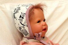 kostenfreie Nähanleitung Babymütze zum Binden: Freebook Käppchen Rockers - Mamahoch2