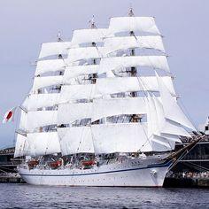 Tall Ship Nippon maru II in yokohama