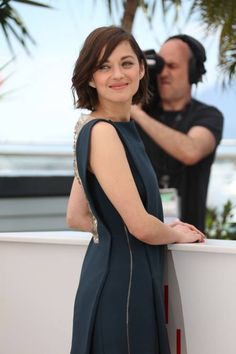 Marion Cotillard wows in Antonio Berardi at the Blood Ties photocall at Cannes