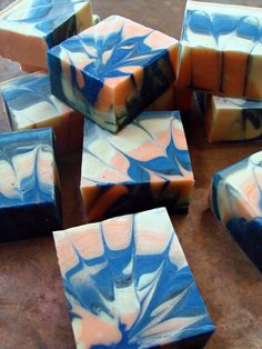 Dream-catcher-swirl CP Soap Tutorial from Teach Soap. Handmade Soap Recipes, Soap Making Recipes, Handmade Soaps, Diy Soaps, Handmade Headbands, Handmade Crafts, Handmade Rugs, Savon Soap, Soap Tutorial