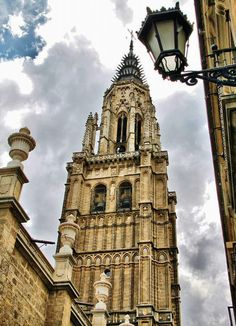 Torre campanario de la Catedral de Toledo