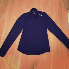 Black saucony half zip up Black saucony half zip up. The label is peeling off, but other than that it's like new. :) Saucony Tops Sweatshirts & Hoodies