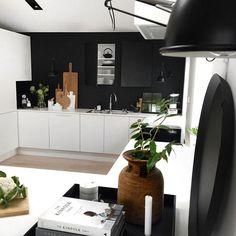My home office canteen Time to prep that lunch #kitchen #hthkjøkken #myhome #myoffice #homeoffice #skandinaviskehjem #nordiskehjem #nordicinspiration #kitchendesign #kjøkken