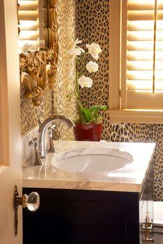 Love this leopard bathroom!