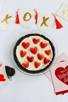 Valentines Day Photos, Valentine Day Crafts, Happy Valentines Day, Strawberry Syrup, Strawberry Recipes, Fondue Recipes, My Recipes, Valentine's Day Events, Heart Shaped Pancakes
