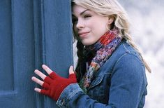 Find images and videos about doctor who, rose tyler and billie piper on We Heart It - the app to get lost in what you love. Die Tardis, Photo Rose, 10th Doctor, Billie Piper, Don't Blink, Love Rose, Torchwood, Time Lords, David Tennant