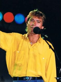 John in a yellow shirt. Male Country Singers, Country Artists, John Denver, Aspen, Colorado, Music Is Life, Mountain High, Jr, Famous People