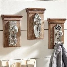 Antique Vintage Decor Unlock the secret to charming eclectic decor with the Vintage Doorknob Wall Hooks. Each decorative wall hook resembles an silver antique doorknob. Door Knobs Crafts, Old Door Knobs, Vintage Door Knobs, Shabby Chic Furniture, Shabby Chic Decor, Vintage Furniture, Furniture Layout, Wooden Furniture, Outdoor Furniture