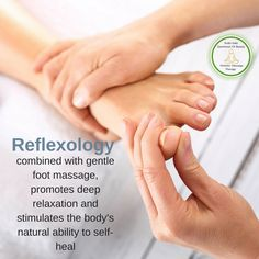Are you finding it harder and harder to relax? Reflexology combined with gentle foot massage promotes deep relaxation and stimulates the body's natural ability to self-heal. Reflexology Benefits, Foot Reflexology, Massage Benefits, Holistic Massage, Holistic Healing, Acupressure Massage, Lymph Massage, Acupuncture, Massage