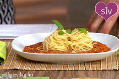 Bolognai vöröslencsével Vegas, Gazpacho, Bologna, Tofu, Healthy Recipes, Healthy Food, Spaghetti, Paleo, Vegetarian