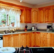 honey oak cabinets How to Use Appliance Paint on Laminate Kitchen Cabinets Restaining Kitchen Cabinets, Laminate Cabinets, Clean Kitchen Cabinets, Laminate Countertops, Kitchen Redo, Kitchen Flooring, Kitchen Remodel, Kitchen Laminate, Kitchen Ideas