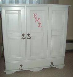 The perfect accessory to go with every girls doll collection. This stylish miniature armoire is ideal for storing the entire wardrobe for all the dolls in your collection. Just like the real thing, only smaller. Designed with one large closet bay for doll dress hangers accessed via a bi-fold door, and one side cabinet with multiple shelves. Also contains a bottom drawer for extra storage space. Heart-drop door and drawer pulls add the final perfect touches to this keepsake item. Can also be…