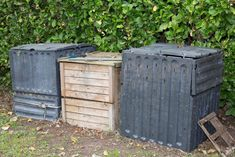 3 Bin Compost System: Everything You Need to Know! - The Daily Gardener Making A Compost Bin, Composting Process, Garden Compost, Gardening, Kitchen Waste, Soil Layers, Garden Oasis, Old Pallets, Green Materials