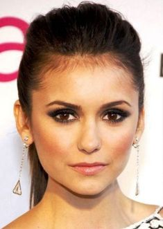 Best Celebrity Makeup Looks for Brown Eyes_19