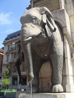 Fontaine des Eléphants in Chambéry, Savoie, France