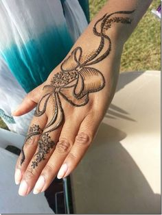 131 Simple Arabic Mehndi Designs That Will Blow Your Mind! Mehandi Designs, Khafif Mehndi Design, Back Hand Mehndi Designs, Simple Arabic Mehndi Designs, Modern Mehndi Designs, Dulhan Mehndi Designs, Mehndi Designs For Fingers, Mehndi Simple, Mehndi Design Pictures