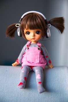 You have to listen to the music when the sun goes down Cute Baby Dolls, Newborn Baby Dolls, Cute Toys, Bratz Doll, Blythe Dolls, Barbie Dolls, Cute Cartoon Pictures, Cute Cartoon Girl, Tiny Dolls