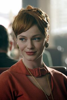 Joan from #MadMen sure does know how to do a mean cat-eye.