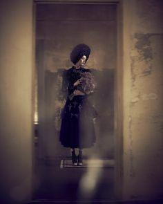 Смотрю на круги - Декабрьское, мрачно красивое - Josephine von Delden в германском Gala