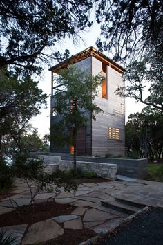 Tower House by Andersson Wise Architects (Project Team: Arthur Andersson, Chris Wise, Kristen Heaney, Travis Greig) / Leander, Texas, USA