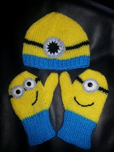 Hand Knitted Despicable Me Minion Hat and Mitten Set Knitted Mittens Pattern, Knitted Hats Kids, Knit Mittens, Knitting For Kids, Knitting Projects, Baby Knitting, Crochet Projects, Knitting Patterns, Minion Crochet