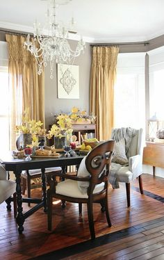Farmhouse Dining Room Makeover With the Sherwin-Williams Color of the Year