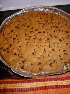 Camille cuisine: Biscuit géant aux pépites de chocolat Camille, Desserts, Kitchens, Mom, Food, Recipes, Deserts, Dessert, Postres