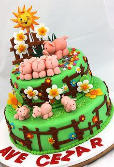 cute piggy cake
